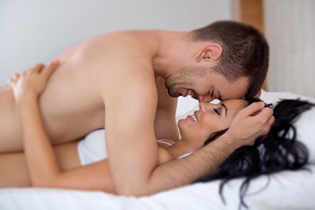 Yatakta Erkeğinize Maksimum Hazzı Yaşatmak İçin Söylemeniz Gerekenler