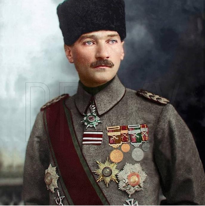 Diyanet'in Atatürksüz Cuma Hutbesine En Sert Tepki Bugünkü Yazısında Ahmet Hakan'dan Geldi: 'Tarihle Dalga Geçmektir.'