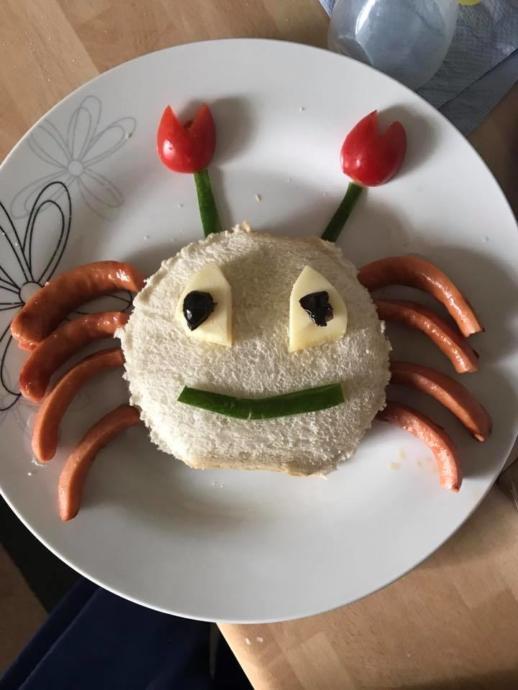 Çocuklar Yemeye Teşvik Edecek Güzel Yiyecek Tabakları!