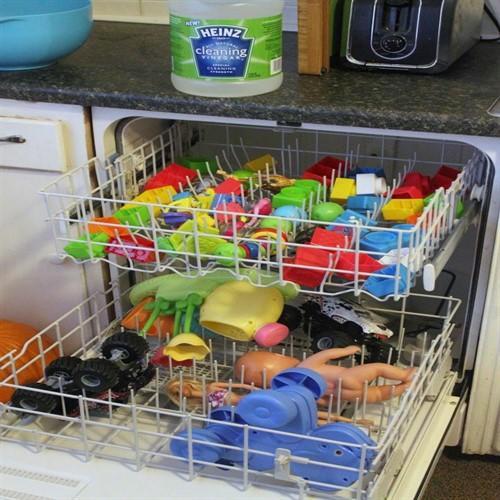 Çocuklarınızın Oyuncaklarını Temizlemek İçin Püf Noktalar!