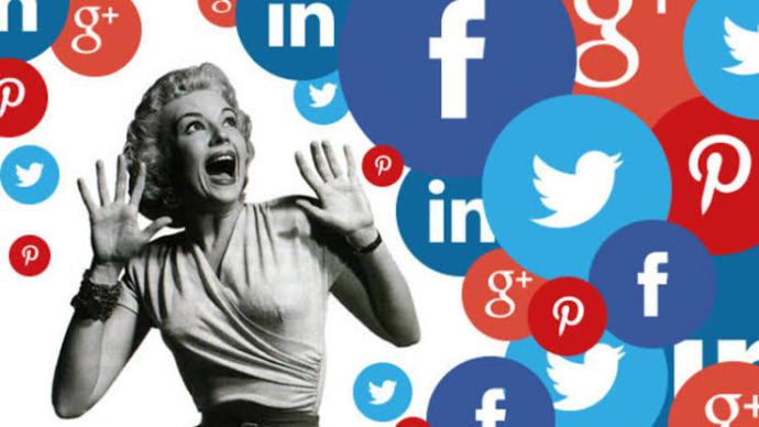 Sev ya da Nefret Et: Neden İnternette Gördüğümüz İnsanlar Hakkında Daha Peşin Hükümlüyüz?