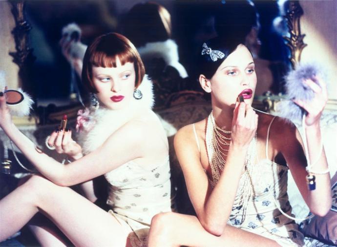 Son Derece Sade, Bir O Kadar Cool: 1990'lar ve Makyaj Modası!