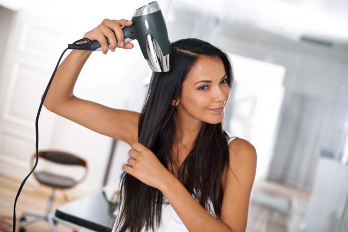 Boyalı Saçların Rengini Uzun Süre Kalıcı Tutmak İçin Birkaç Tavsiye