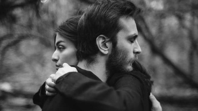5 Maddede Karşılıksız Aşktan Kurtulma Yöntemi!
