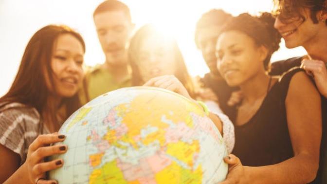 Bir Hayal Avcısı: Yurt Dışında Okumanın 5 Avantajı!