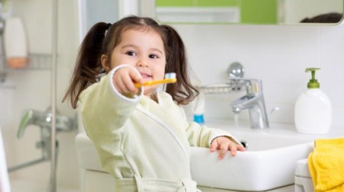 Bebeklerin Diş Temizliği Nasıl Olmalı?
