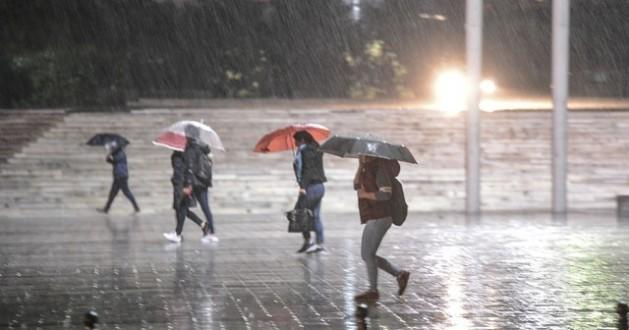 Hafta Sonu Tüm Türkiye'de Serin ve Yağışlı Hava Bekleniyor!