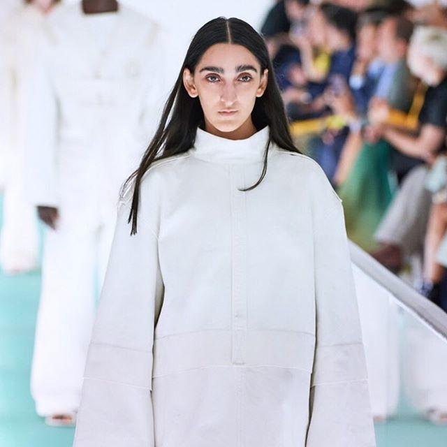Gucci'nin Yeni Modeli Armine Harutyunyan Kimdir?