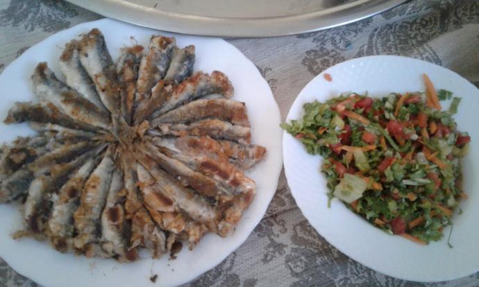 Yanında Salatasıyla: Tavada Balık Kızartmasını Nasıl Yapıyorum?