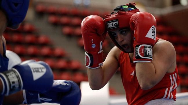 Gururumuz: Busenaz Sürmeneli  22 Yaş Altı Avrupa Boks Şampiyonası'nda Altın Madalya Kazandı!
