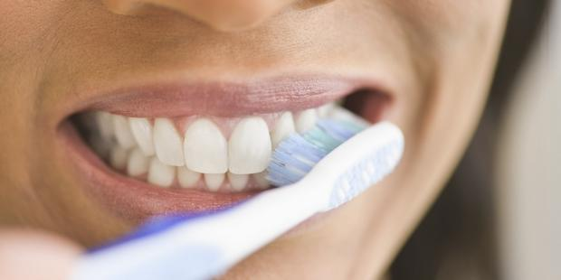 Diş Sağlığı İçin Çok Önemli Olan Diş Fırçası Seçimi Nasıl Olmalı?