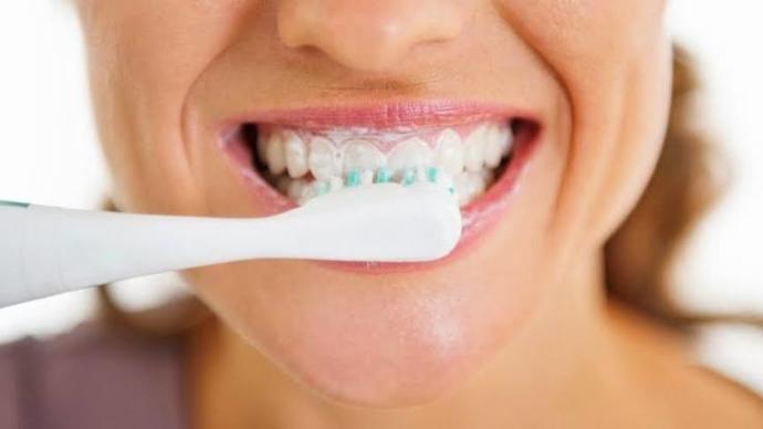 Bunlara Dikkat Edin! Ağız ve Diş Bakımında Yapılan Hatalar