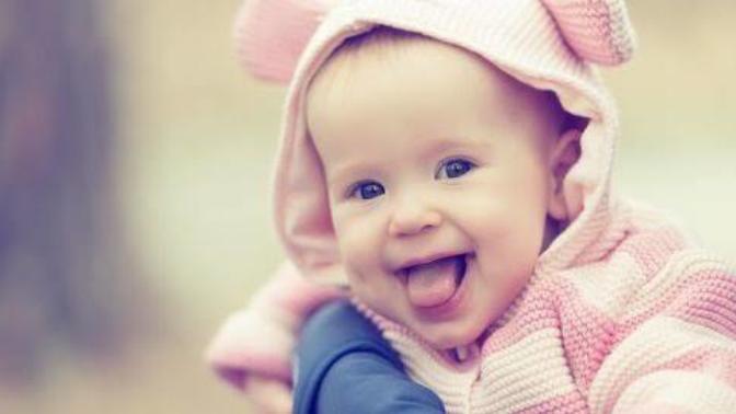Günden Güne Büyüyen Bebeğimizin Gülme Gelişimi
