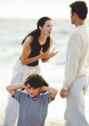 Mutsuz Ailede Yetişen Çocukların Evliliğe Bakışı Nasıl Olur?