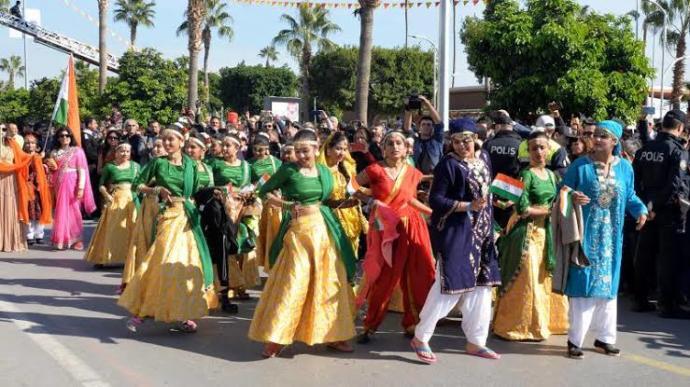 Her Sene Heyecanla Beklenen 25 Ülkeden 700 Dans Gösterisinin Yapıldığı Mersin Narenciye Festivali! 📸
