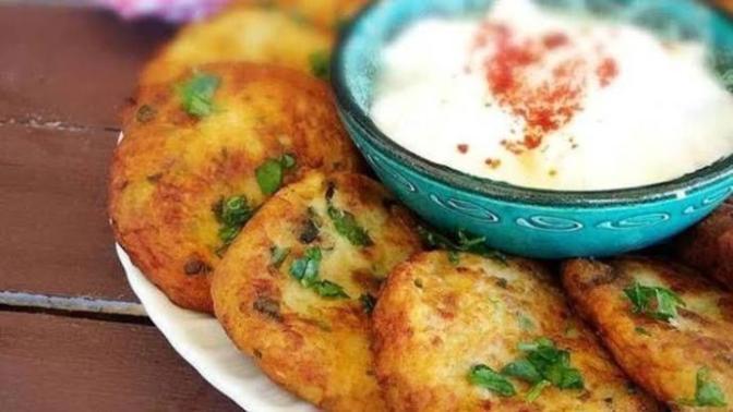 Mutfağa Giriyoruz: Enfes Bulgurlu Patates Köftesi Tarifi