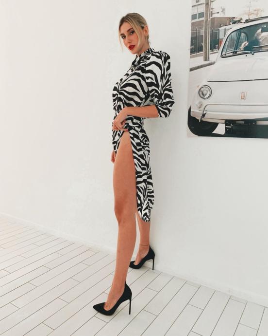 Şeyma Subaşı Zebra Desenli Elbisesi ile Instagramı Salladı! (Foto Galeri)