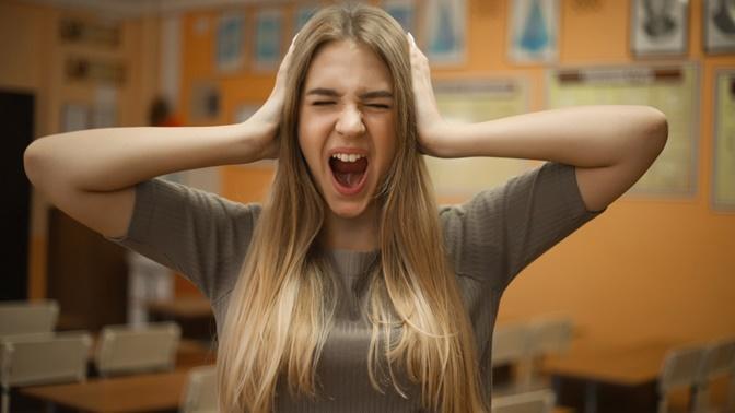 Saçlarımızın Yıpranmış ve Cansız Görüntüsünden Bıktığımız 6 Durum