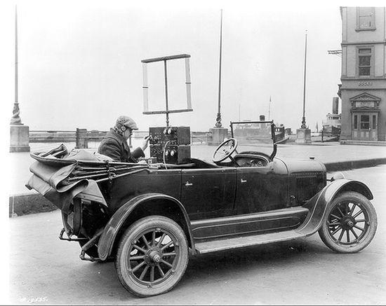 1908 yılında patent alınan ilk mobil telefonun kurulduğu araba