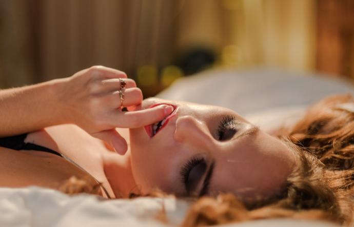 Yılbaşı Gecesini Tüm Yıl Hatırlatacak Mükemmel Orgazma Ulaşmanın Yolları!