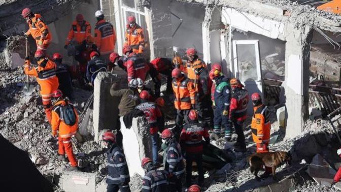 Elazığ'da Meydana Gelen Depremde Hayatını Kaybedenlerin Sayısı 35'e Yükseldi