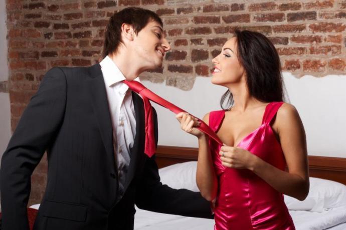 Hissetmemek Mümkün Değil! Sizi Birbirinize Çeken, Cinsel Çekim Gücünün Belirtileri Nelerdir?