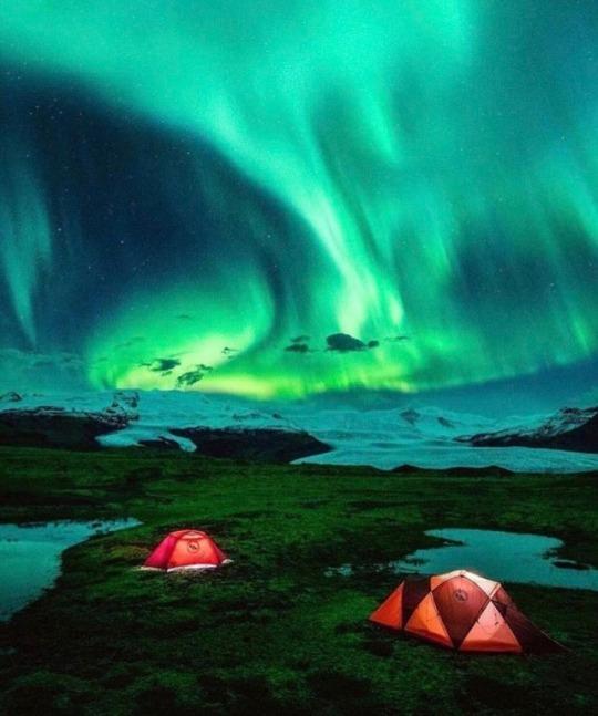Gökyüzünü Renk Cümbüşüne Çeviren Kutup Işıkları Gidip Görülmeye Değer!
