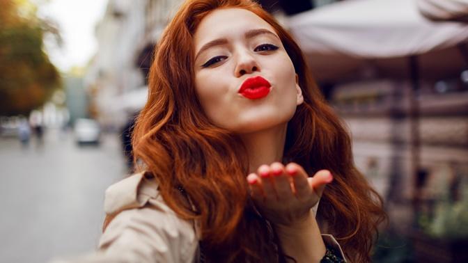 Kışa Renk Kat! İstediğin Renk Saçlarınla İstediğin Sen Olmanı Sağlayacak 6 Şey