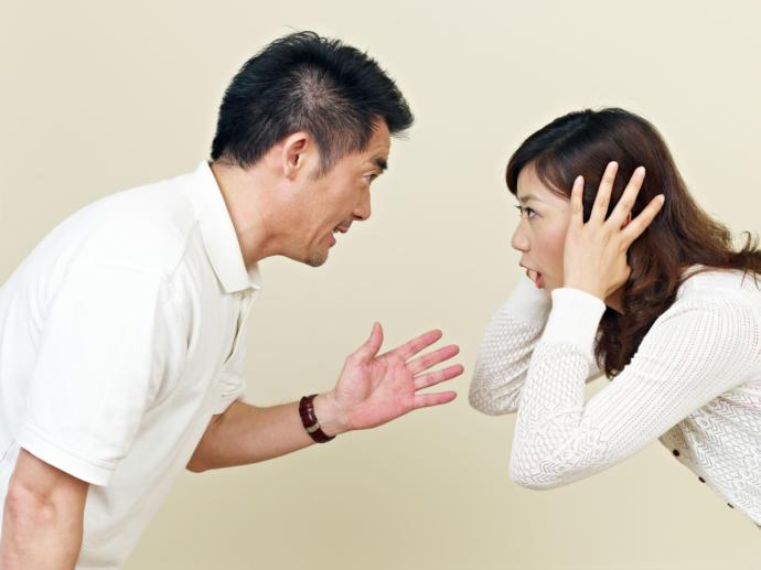 İlişkiyi Çöküşe Götüren 4 Tutum ve Davranış!