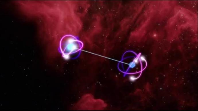 Mesafesinin hiç bir önemi yok ister aralarında bir nanometre olsun isterse milyarlarca ışık yılı olsun, her şey eşzamanlı olur