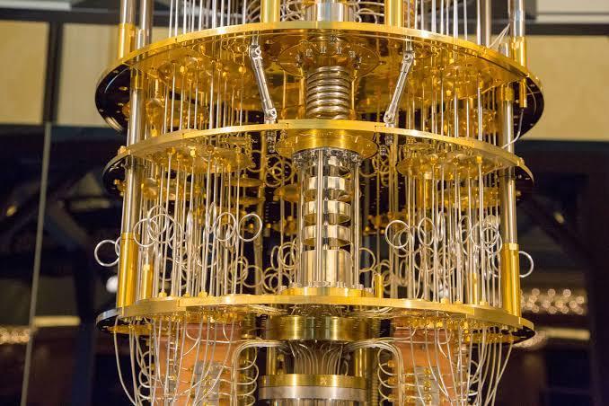 Dünyanın en güçlü kuantum bilgisayarı böyle görünüyor (IBM)