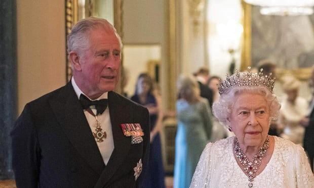 Prens Charles ve Kraliçe Elizabeth
