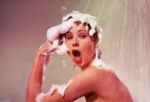 Vücut Şampuanı mı, Duş Jeli mi? Yoksa İkisi de Aynı Şey mi?