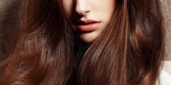 Kadınları Dikkat Çekici ve Asil Gösteren 4 Saç Rengi!