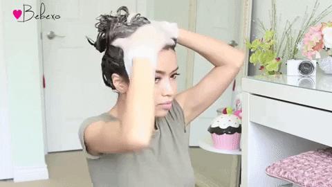 İstediğin Renk Saçlarınla Ev Keyfini Katla! Evde Saç Boyamak İsteyen Kadınlar İçin 6 Taktik