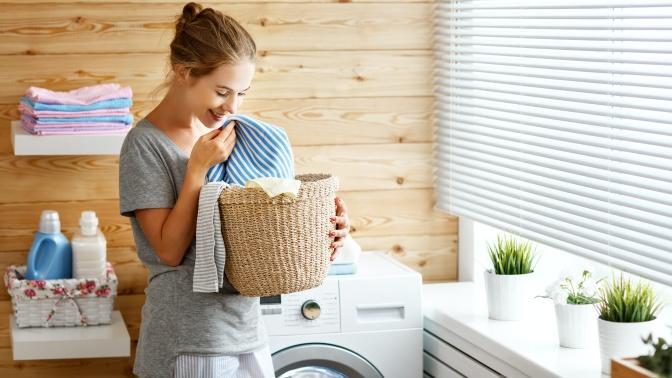 Kıyafetlerinizin İlk Günkü Gibi Kalabilmesi İçin 6 Çamaşır Yıkama Önerisi