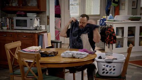#EvdeKal Döneminde Çamaşır Yıkarken Aklımıza Takılan 5 Şey