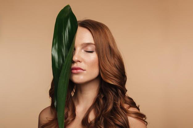 Mevsim Geçişlerinden Kaynaklı Yaşanan Saç Dökülmesi İçin Öneriler!