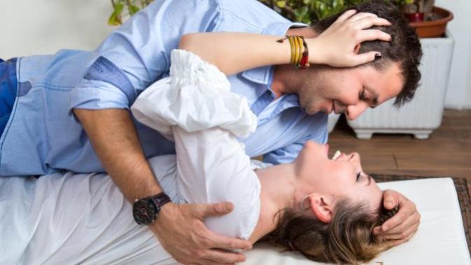 İlk Kez Cinsel İlişkiye Gireceklere Altında Değerli Öneriler