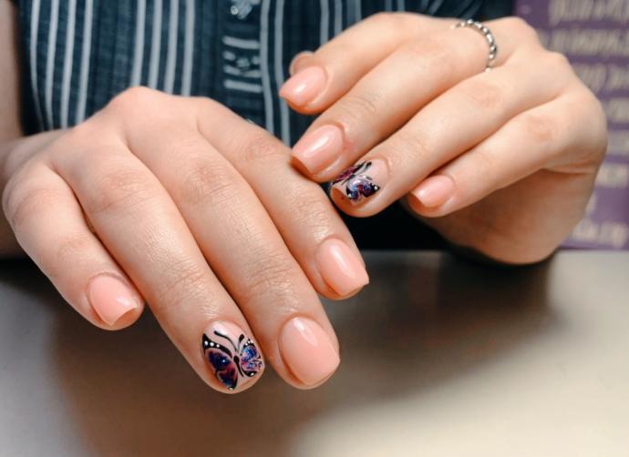 me nails :)