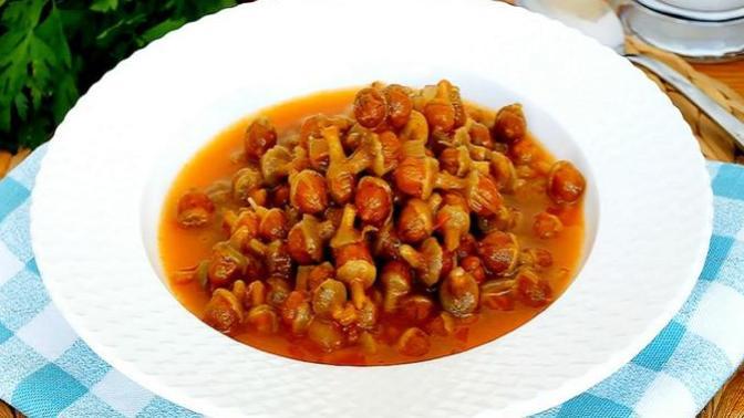 Hep Aynı Yemeği Yemekten Sıkılanlara: Patatesli Kuru Bamya Yemeği Tarifim Sizlerle🎉