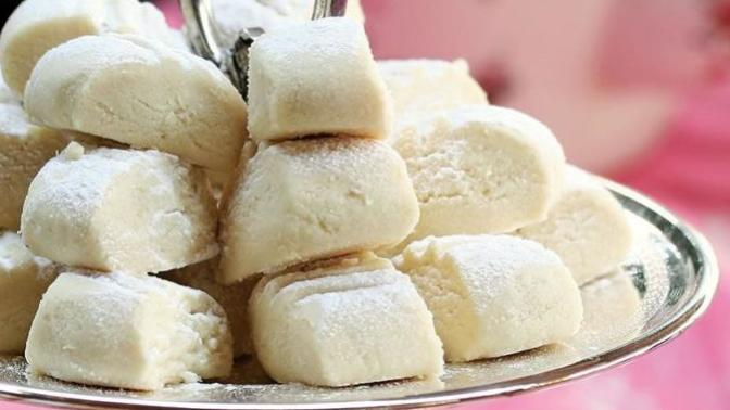 Ağızda Dağılan Lezzet: Pastane Usulü Un Kurabiyesi Tarifi