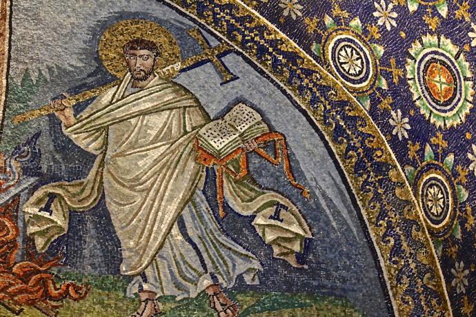(5. - 6. Yüzyıl Mozaik, Ravenna. Kitap formuna dikkat!)