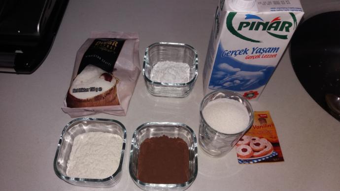 Pratik Tatlıları Kadınlar Bilir! Kakaolu Fincan Tatlısı Nasıl Yapılır?