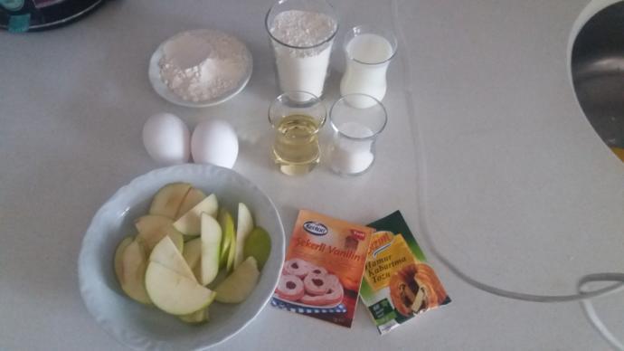 Pratik Tarifler Kadınlardan Sorulur! Tavada Elmalı Kek Nasıl Yapılır?