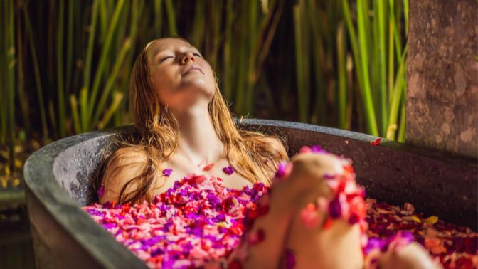 Sıcaklar Bastırdı, Bol Bol Duş Almayı İhmal Etme! Duş Jeli Seçerken Önem Vermen Gereken 6 Şey