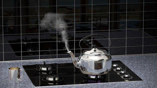 Çaydanlık Kireci Nasıl Temizlenir? Kireçlenmiş Çaydanlığını Pırıl Pırıl Yap!