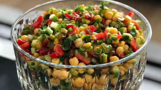 Hem Sağlık Hem Lezzet Arayanları Buraya alalım! Nohut Salatası Nasıl Yapılır?