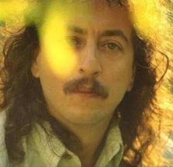 Türk pop müziğinin romantik prensi İlhan İrem