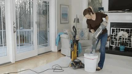 Eve Dönüşler Başladı! Uzun Zamandır Kapalı Kalan Evini Temizlerken Yaşayabileceğin 6 Şey